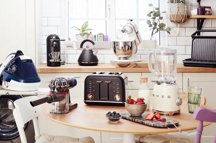 Accessorise Your Kitchen With Top Quality Stylish Hand Food And Jug Blenders