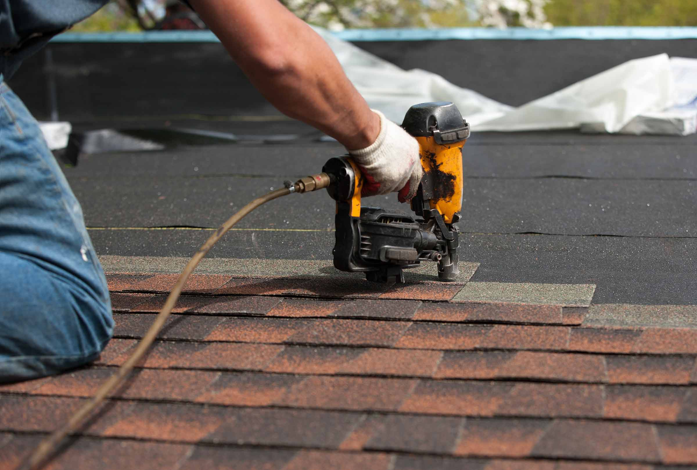 How to Make Sure That You Have Hired the Right Roof Contractor?